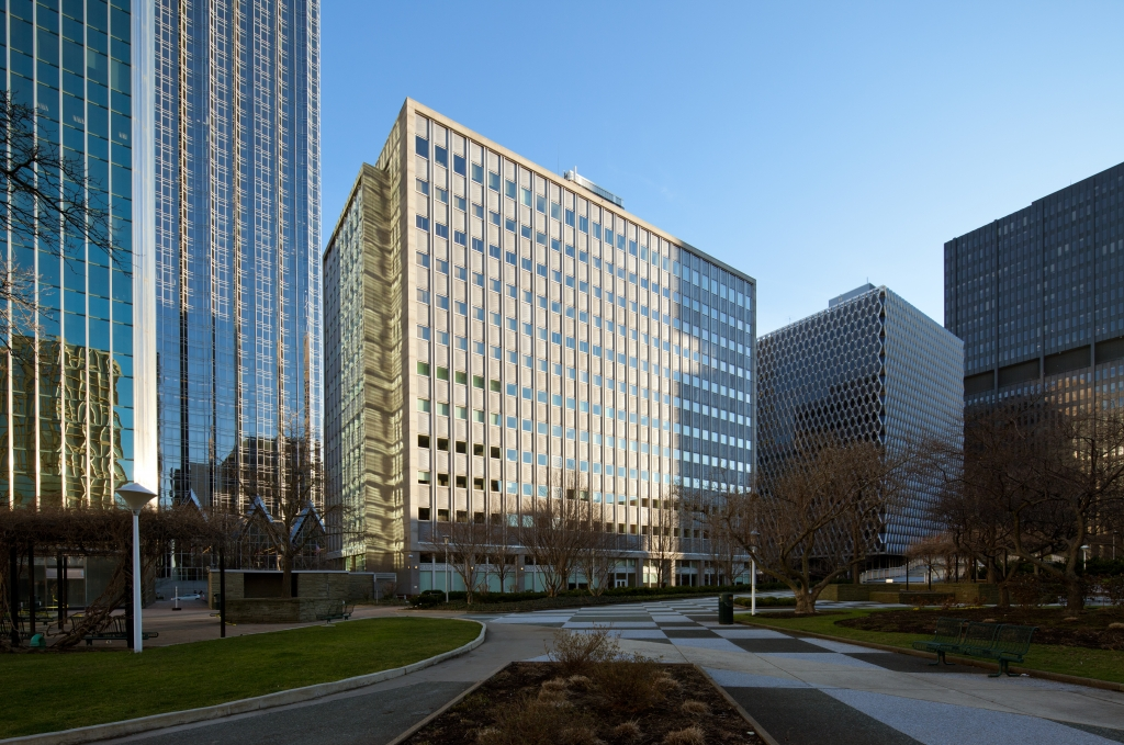 201 Stanwix in Pittsburgh, PA | PMC Property Group Apartments