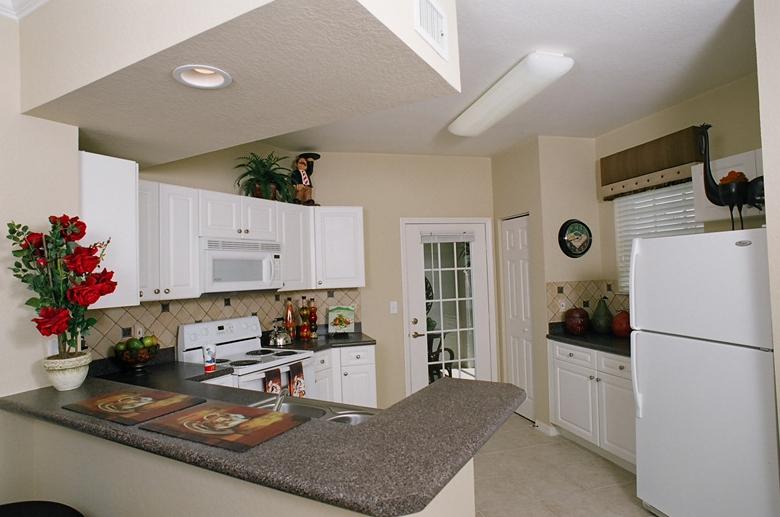 Estates at Stuart kitchen