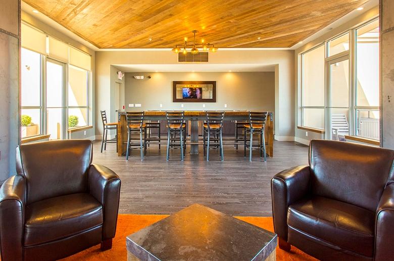 2121 Market lounge