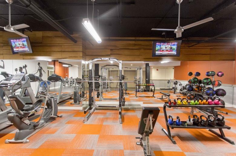 Newly renovated fitness center at 1600 Walnut