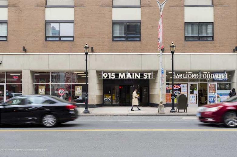915 Main Street entrance