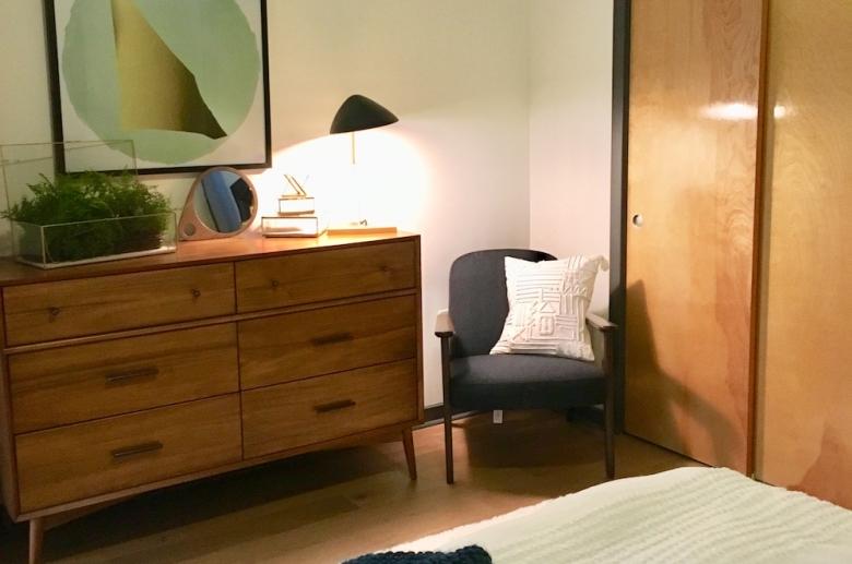Plant 1 furnished bedroom