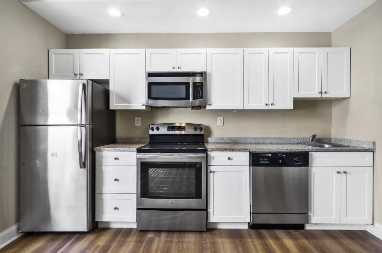 Adelphia House kitchen
