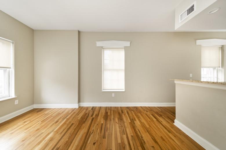 1114 Pine Street living room