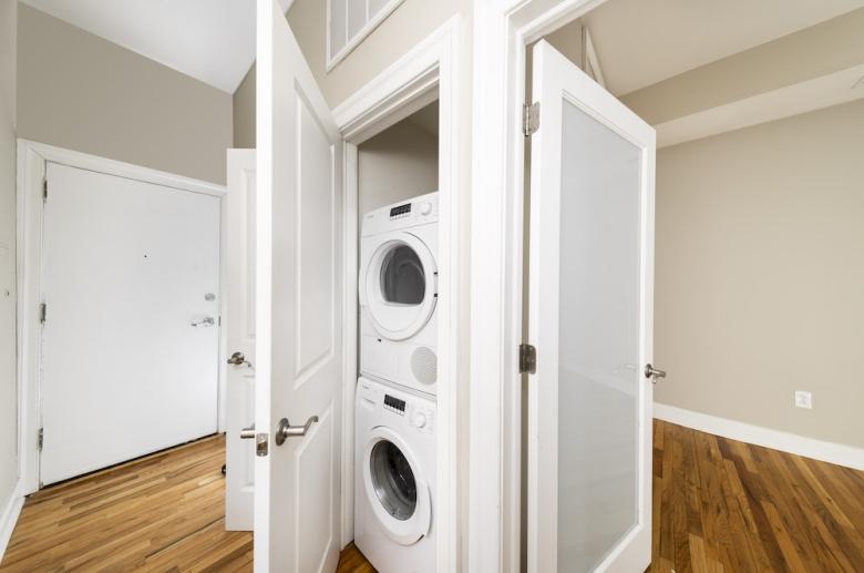 1114 Pine Street washer & dryer