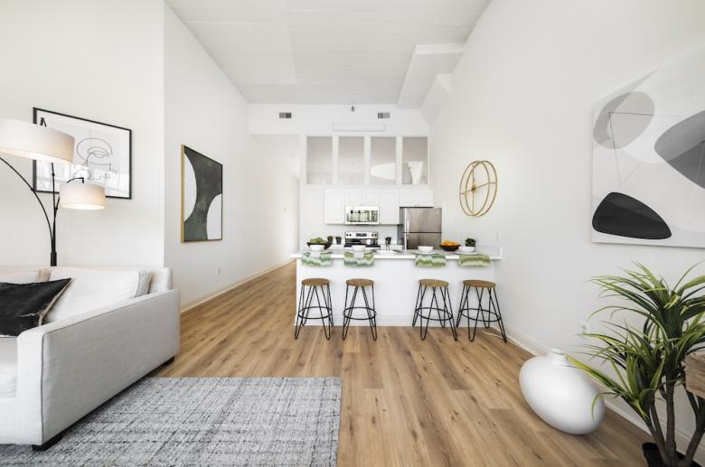2121 Market kitchen & living space