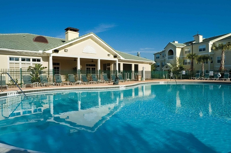 Windsor Club pool_3