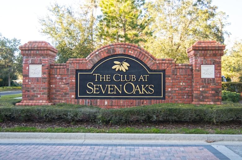 Windsor Club sign
