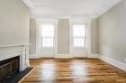 924 Pine Street living room