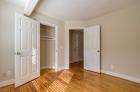 Luminous bedroom with closet